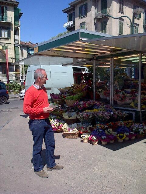 volantinaggio mercato Racconigi 15maggio2014