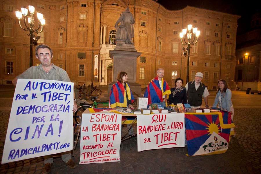 03/10/2011  Teatro Carignano - Associazione per il Tibet e i diritti umani